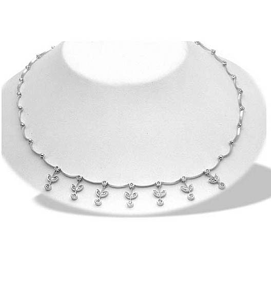diamond collar necklace. A glamorous Diamond Necklace
