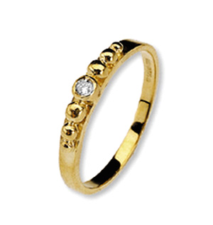9K Gold Diamond Detail Ring