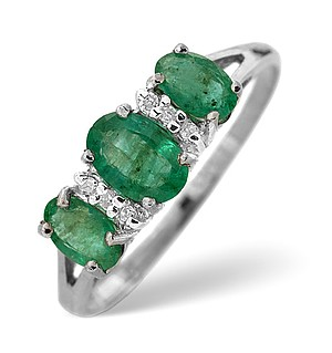 9K White Gold Diamond and Emerald ring 0.03ct