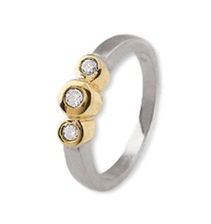 18K GoldThree Stone Ladies Diamond Ring 0.15ct